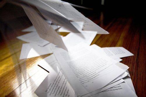 Много бумажных документов для смены фамилии