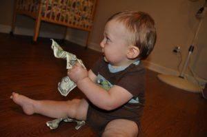 Ребёнок с деньгами