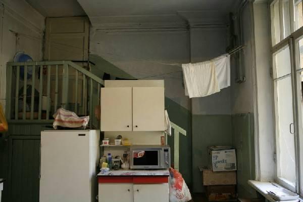 Правила проживания в коммунальной квартире и права соседей в 2020 году: места общего пользования, курение, ремонт, уборка и т.д.