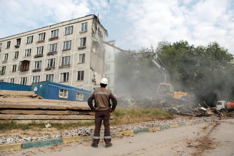 Реновация девяти- и двенадцатиэтажных панельных и блочных строений в москве: новости, план сноса